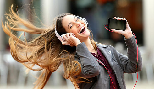 mulher-ouvindo-musica-0317-1400x800.jpg