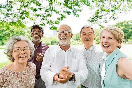 idosos-grupo-de-amigos-1573584455003_v2_