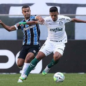 Palmeiras mostra evolução e sai na frente do Grêmio