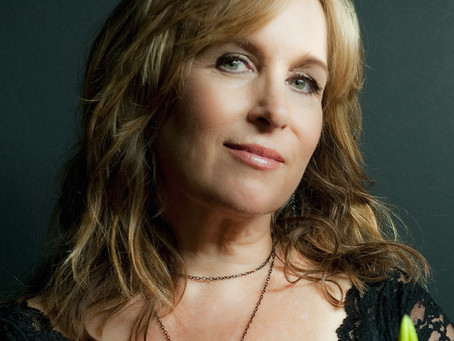 AN AMERICAN TRILOGY: GRETCHEN PETERS, MICKEY NEWBURY AND THE ART OF SONGWRITING