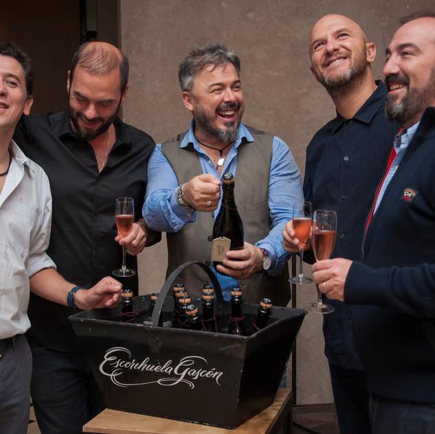 1.       Martin Rebaudino + Donato + Gaby Oggero + Tommy + Juan