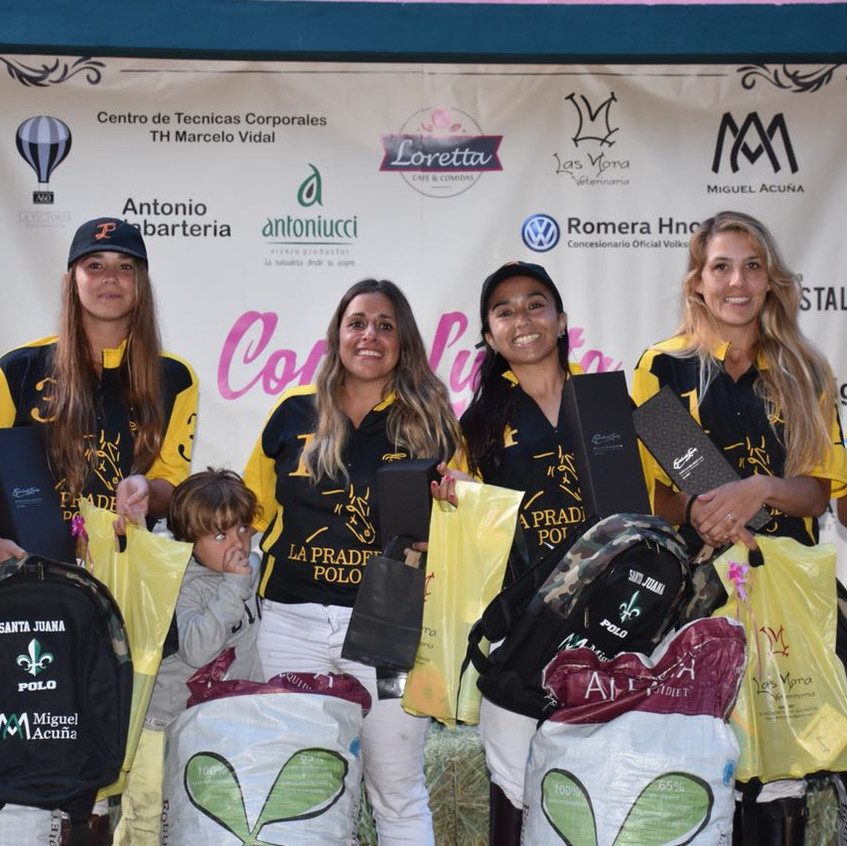 Copa Lunita Polo Fem 2018-01-23 at 23.07.44