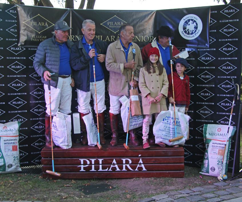 Pilara70-podio-Azul