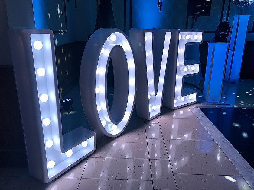 LED LOVE Rob Lawes Entertainments Quorn