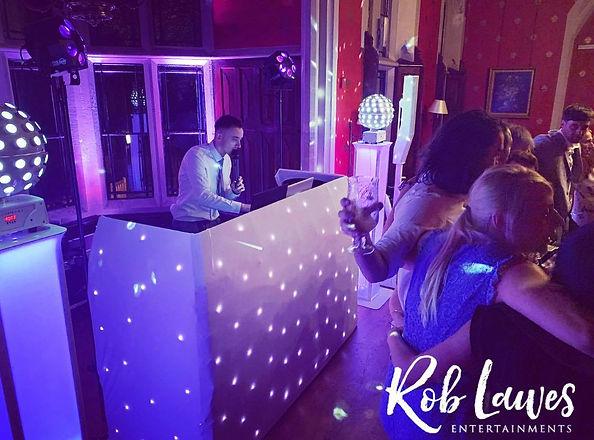Rob Lawes Entertainments Elegant DJ Wedd