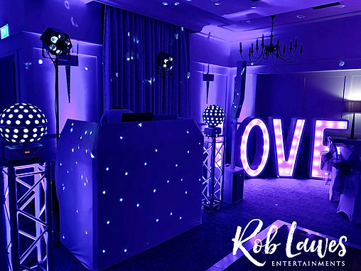 Rob Lawes Entertainments Holiday Inn Mil