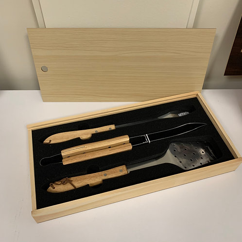 3-Piece BBQ Set in Wooden Pine Box