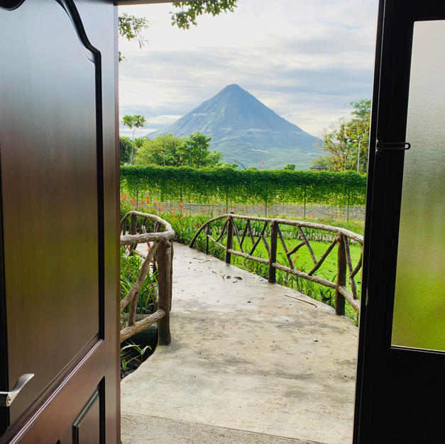 Wild Villa - View of the Arenal Volcano