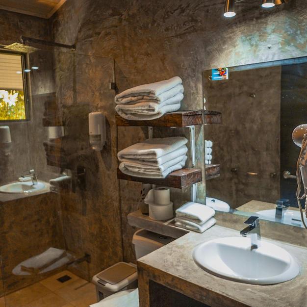 Nature Villa Bathroom