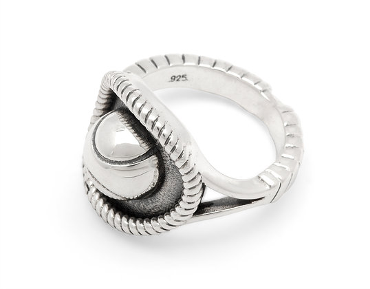 Silver tennis racket ring with ball (192-7)