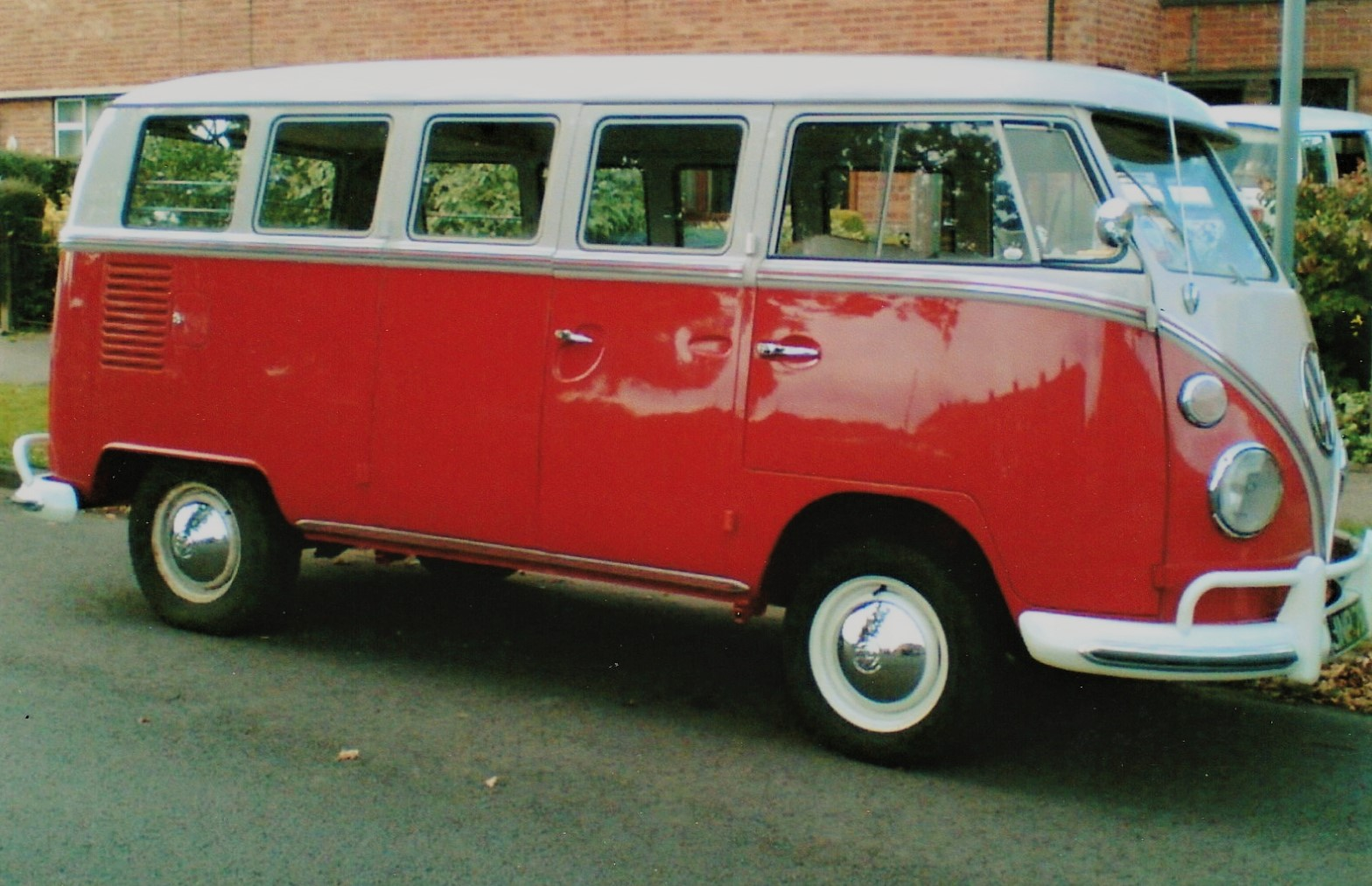 VW Splitscreen 13 Window Deluxe