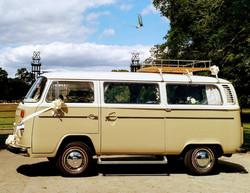 Barney 1974 VW Bay Window Deluxe