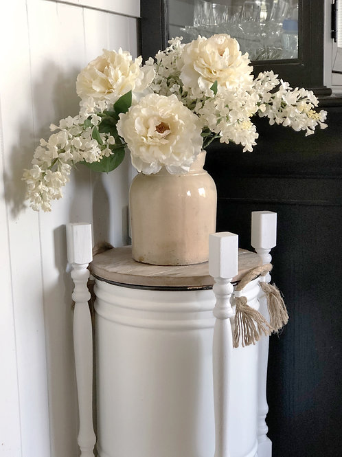 Traditional Farmhouse Planter with top