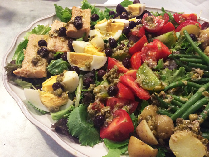 Niçoise Salad With Caper & Anchovy Dressing