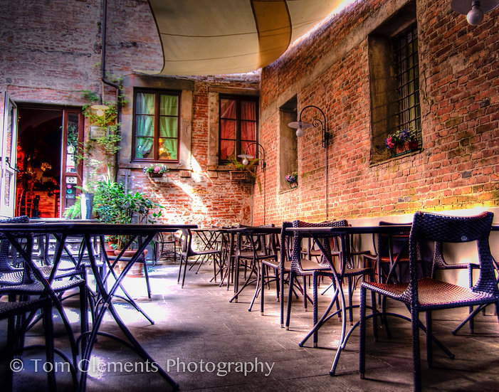 Lucca Cafe'