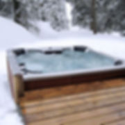 Chalet Isobel - hot tub in winter