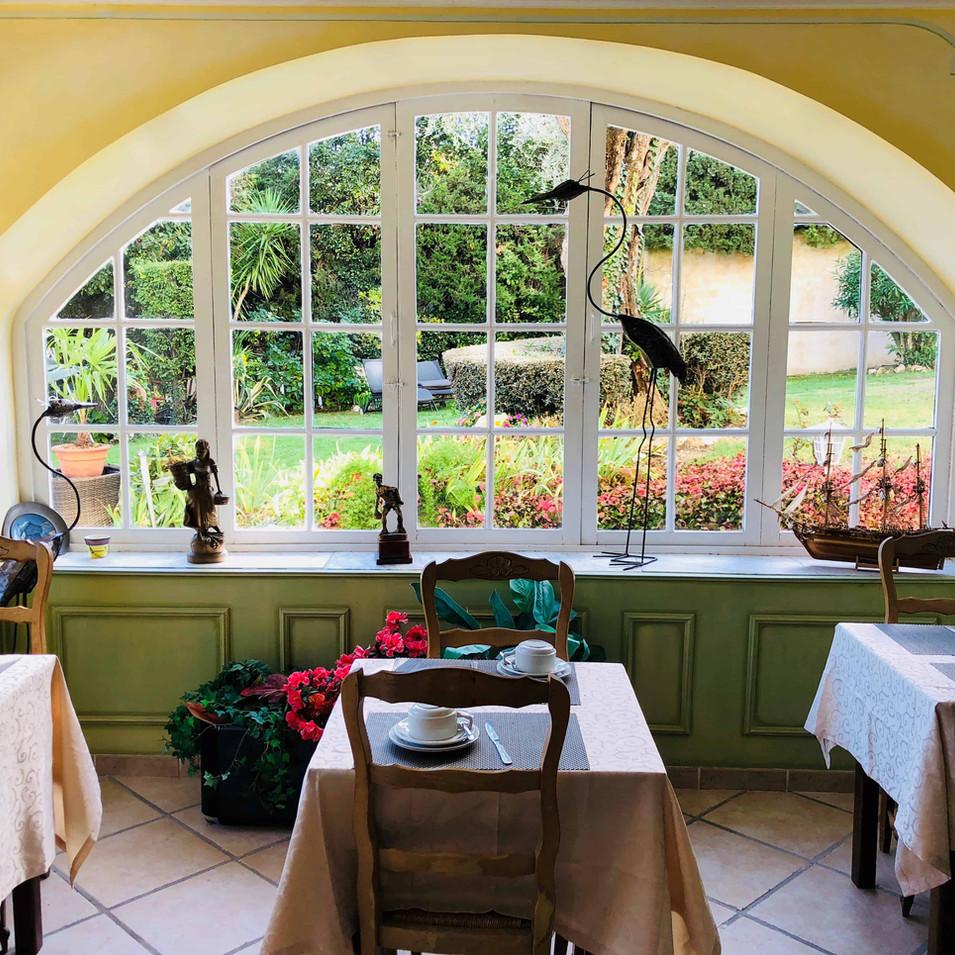 salle petit déjeuner