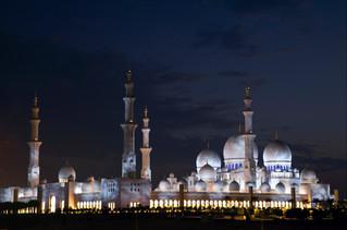 10 sheikh zayed mosque, abu dhabi.jpg