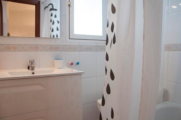 acosta-bathroom-1.jpg