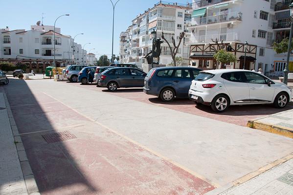 acapuclo-parking.jpg