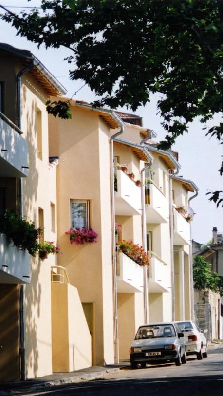 Immeuble hlm - Caromb (84)
