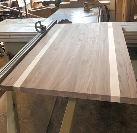 Plank Style Walnut w Hard Maple Stripes