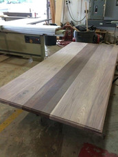 Walnut with wenge plank style