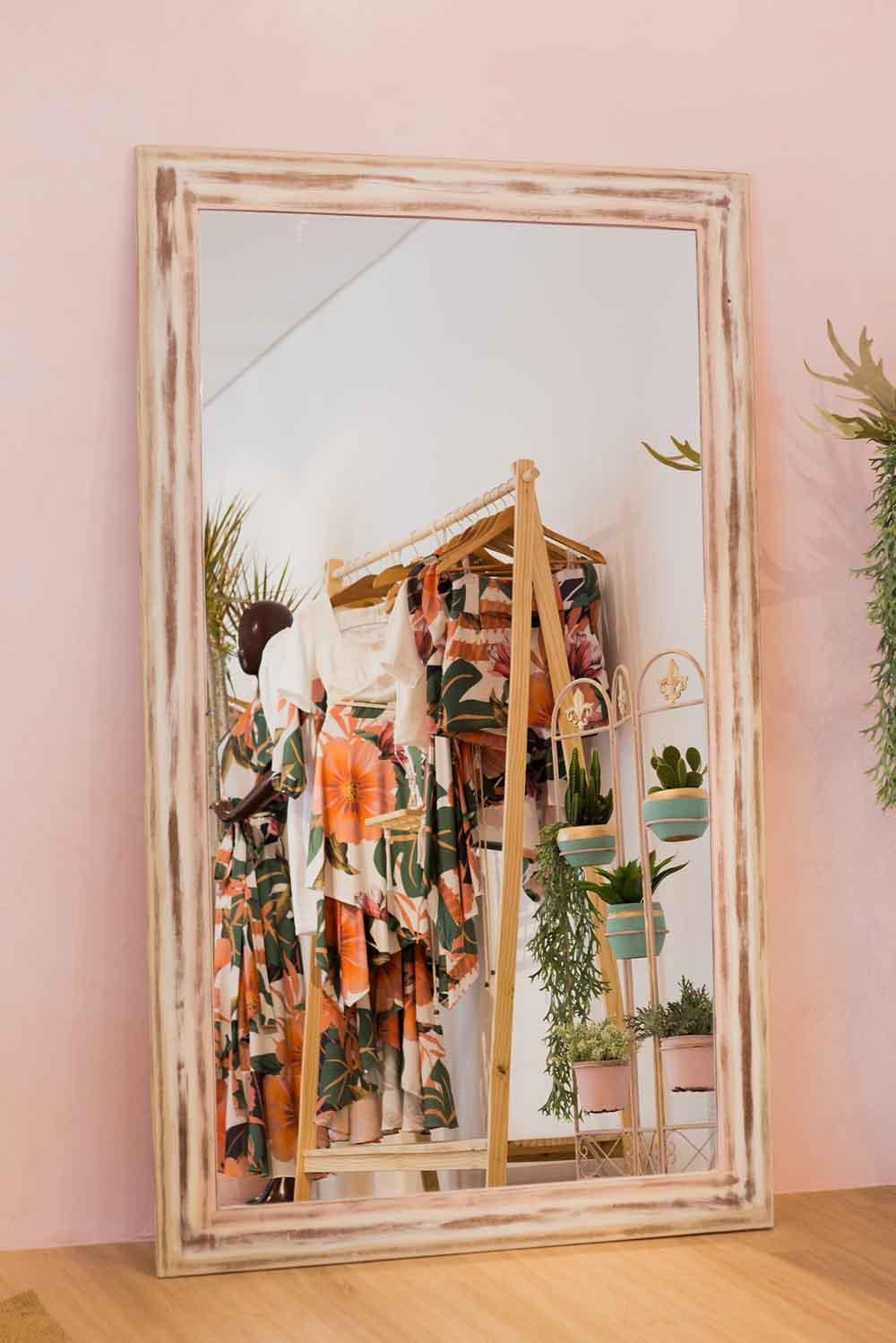 Garde-robe tendances mode 2021 vue en miroir