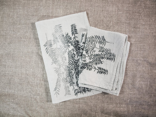 Placemat Set of  2, Bottle Brush
