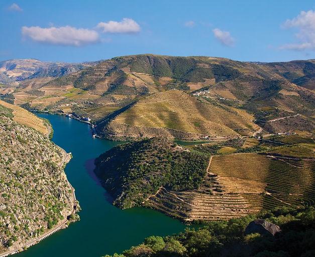 10-Porto-Douro-Valley-Landscape.jpg