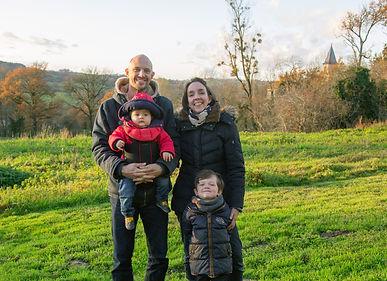 Les fondateurs: Greg, Léa et leurs enfants