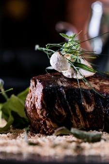 Alta Gastronomia. Carne com detalhes