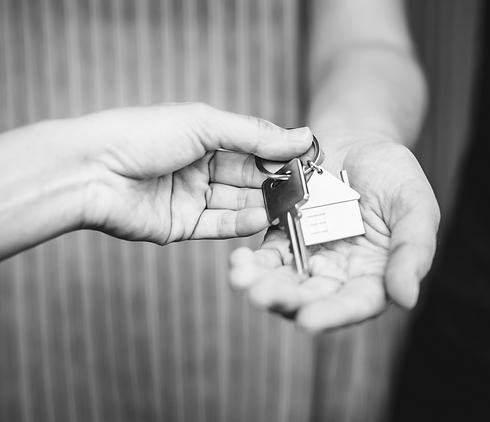 B+W House Keys.png