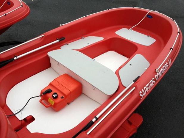 Barque-pompier-NewMatic-400.jpg