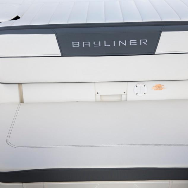 BaylinerVR5OBGraphiteInterior_0642.jpg