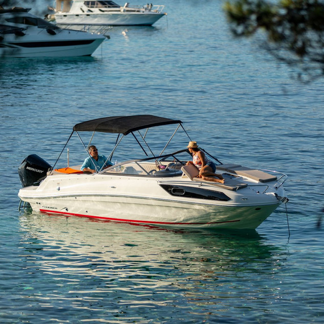 Bayliner VR6 cuddy (48).jpg