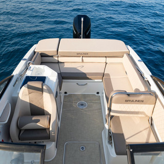 Bayliner VR6 cuddy (11).jpg