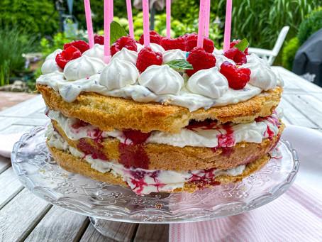 messy himbeertraum-torte ⠀⠀⠀⠀⠀⠀⠀⠀⠀⠀⠀⠀ ⠀⠀⠀⠀⠀⠀⠀⠀