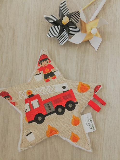 Doudou étoile motif pompier