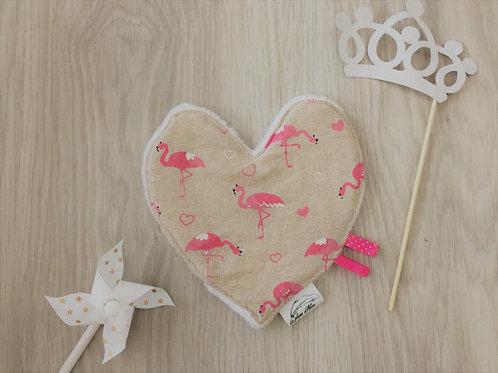 Doudou coeur, motif flamant rose