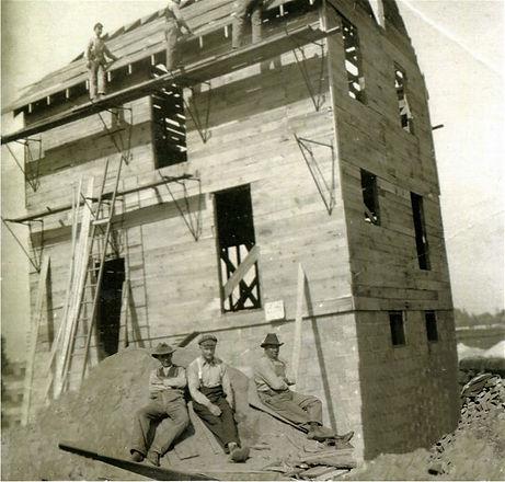 Web 1930's John Kuszmaul House.jpg