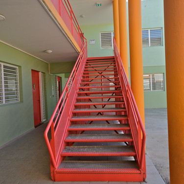 Escalier métallique simple rouge KMP sas