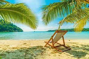 schoener-tropischer-strand-und-meer_7419