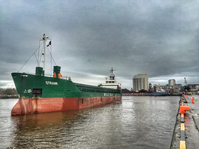 MV Strami arriving in Limerick Dock