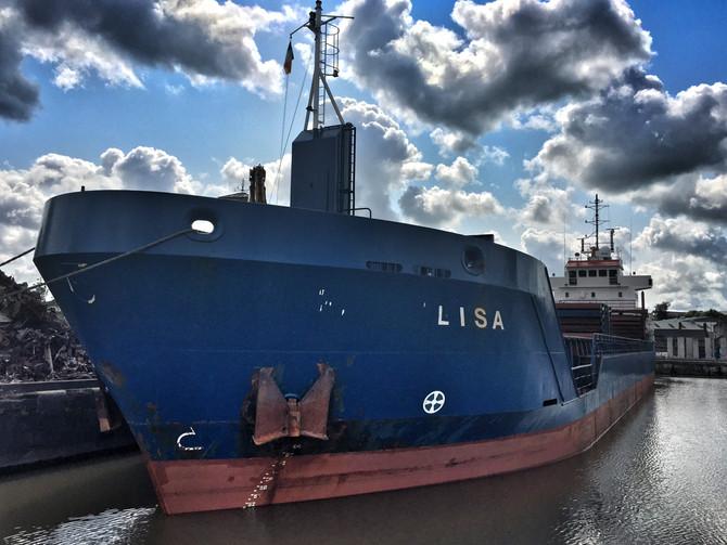 MV Lisa Loading In Limerick