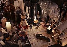 мистический-натюрморт-с-бумагой-а-химии-