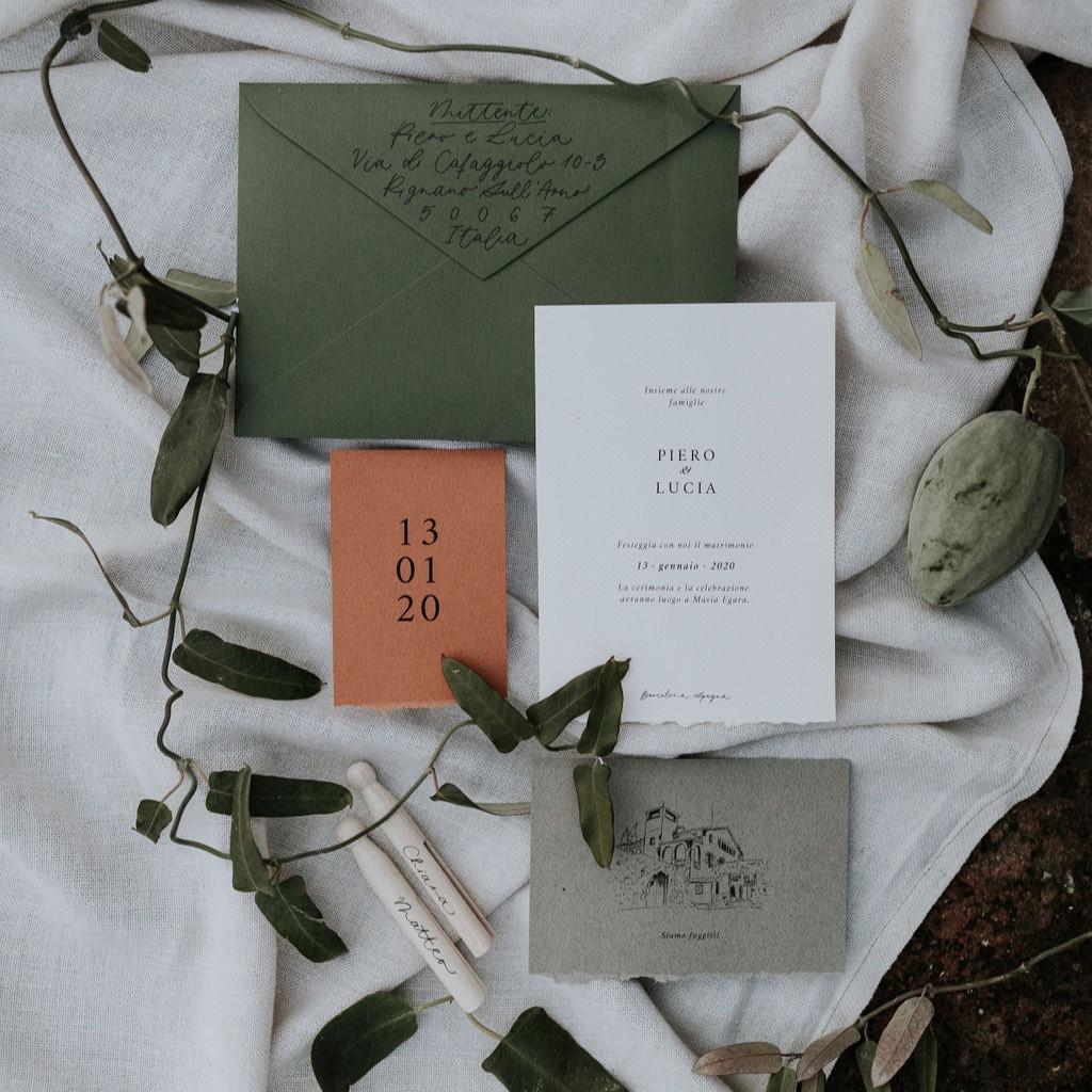 Invitaciones de boda rústicas y moderna.