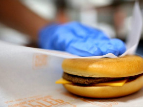 Harmful Chemicals Detected in EU Fast Food Packaging, Including the Czech Republic