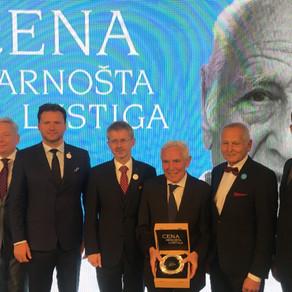 Cenu Arnošta Lustiga letos obdržel chirurg Pavel Pafko . Surgeon Pavel Pafko received the Arnošt Lus