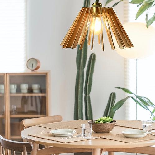 革と真鍮のペンダント照明 mountain型(床革)